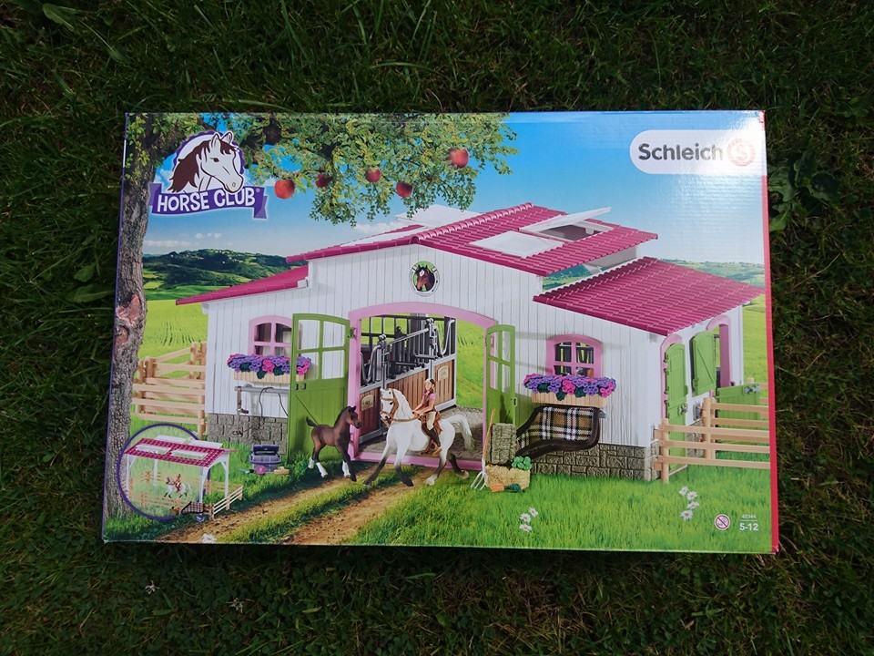 Schleich pony box