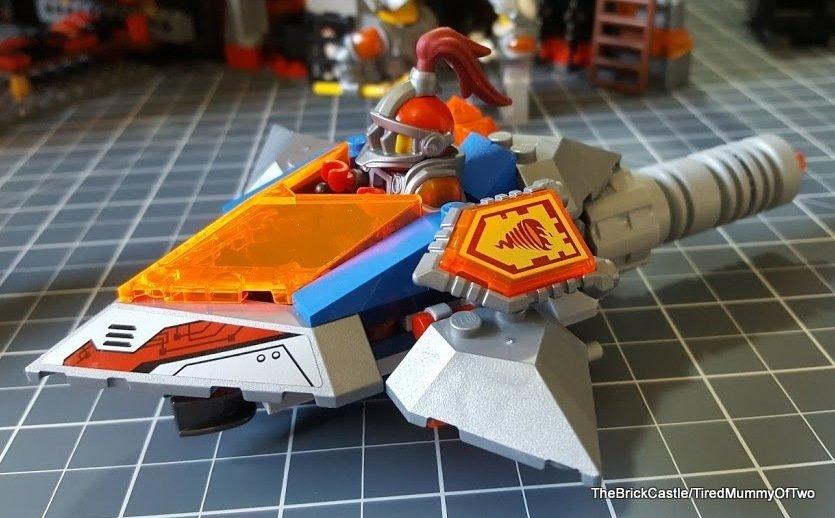 nexo-knights-flying-arrow-jetros-castle